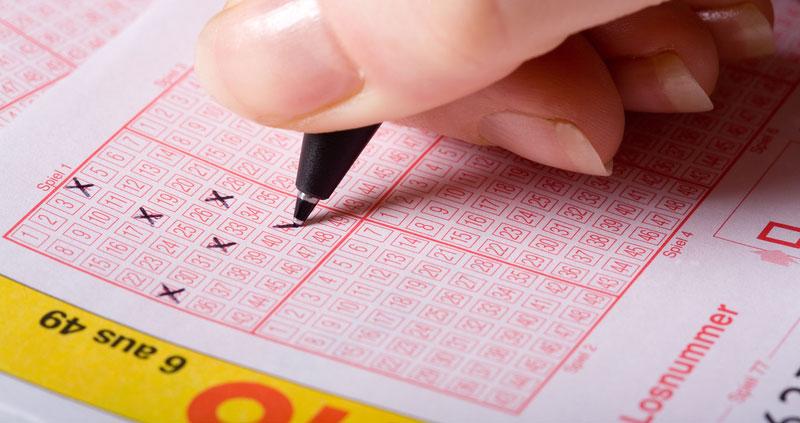 Lottozahlen ankreuzen